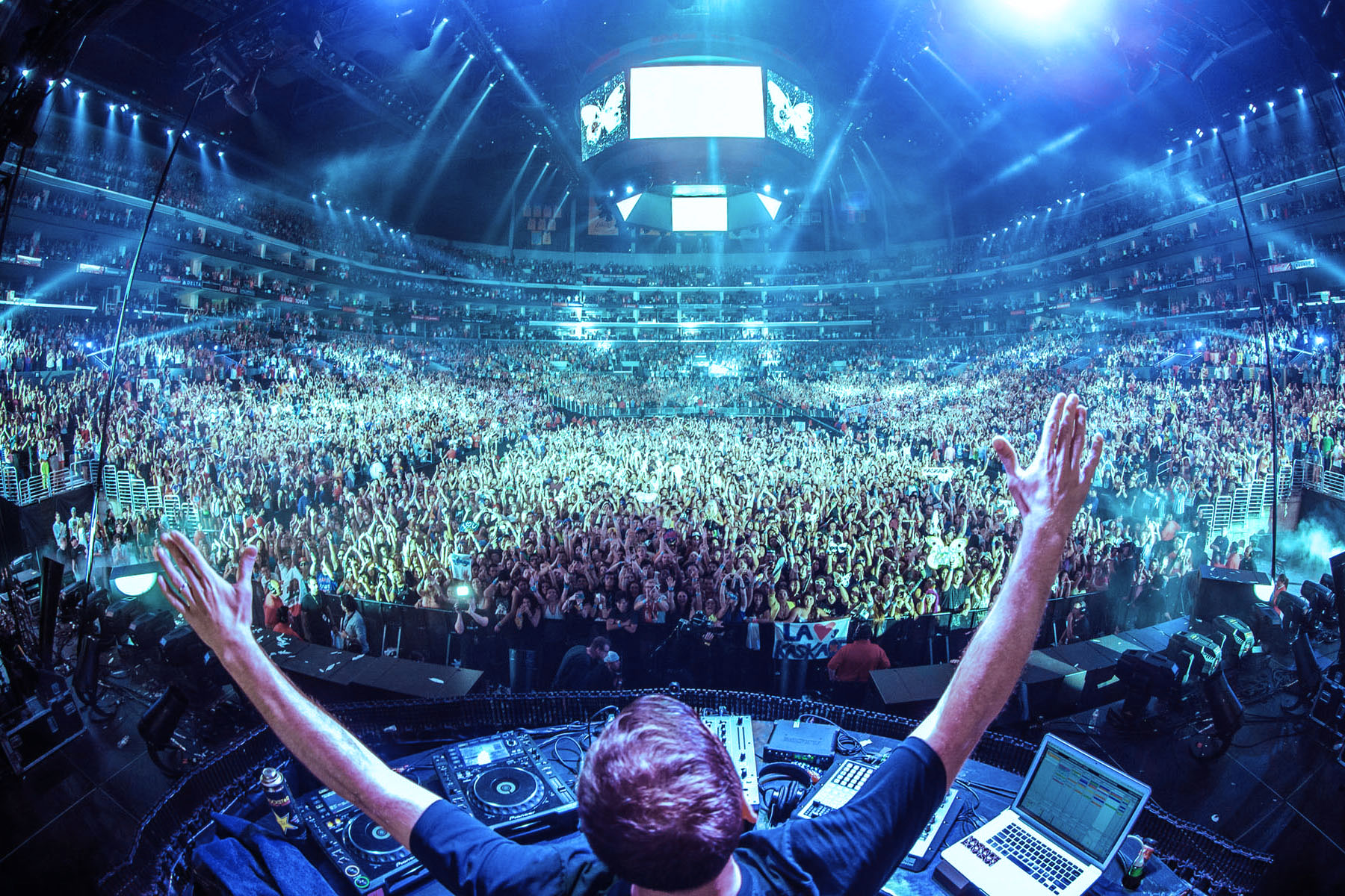 Ready, Set, Rave: College's Electronic Dance Music Club