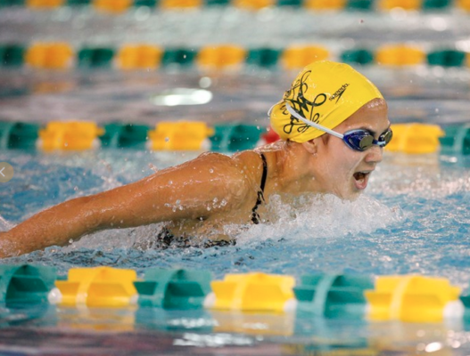 Swimming: men and women dominate the Keydets on the road