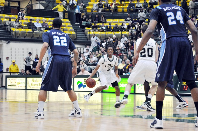 Men's basketball: Tribe suffers road setback