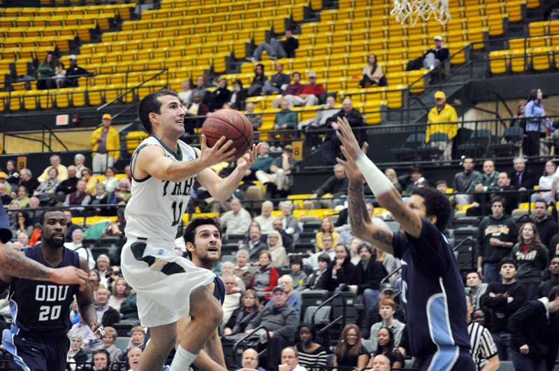 Men's basketball: ODU dominates College in high-flying fashion