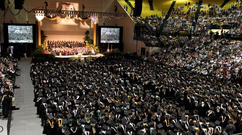 Record number of students obtain bachelor degrees