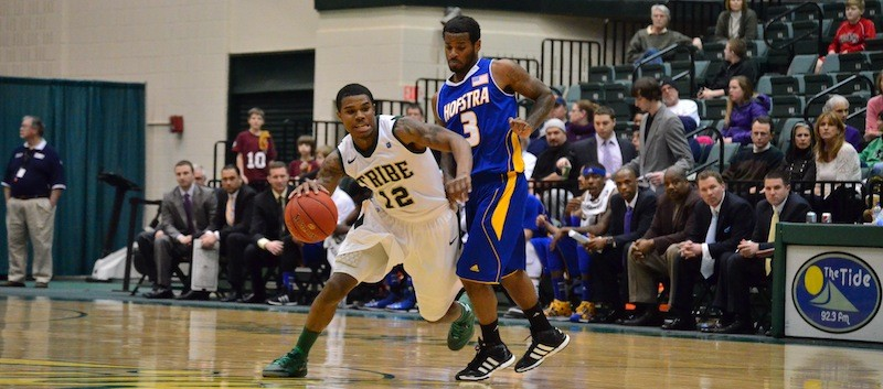 Men's basketball: Tribe finds winning formula, dropping Hofstra at home