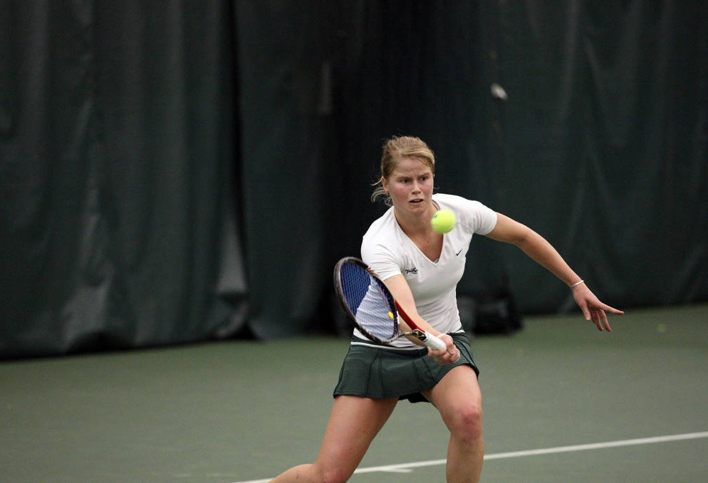 Women's Tennis: College drops Wilmington with 4-3 win