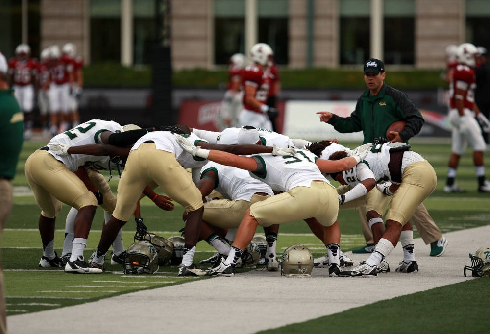 Football: College set to open CAA schedule