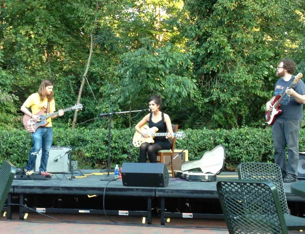 Richmond trio brings simple, mellow sound to campus