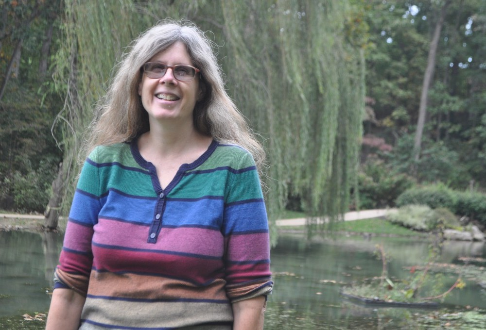 King of the Jungle: Anthropology professor publishes book on grief in the animal kingdom