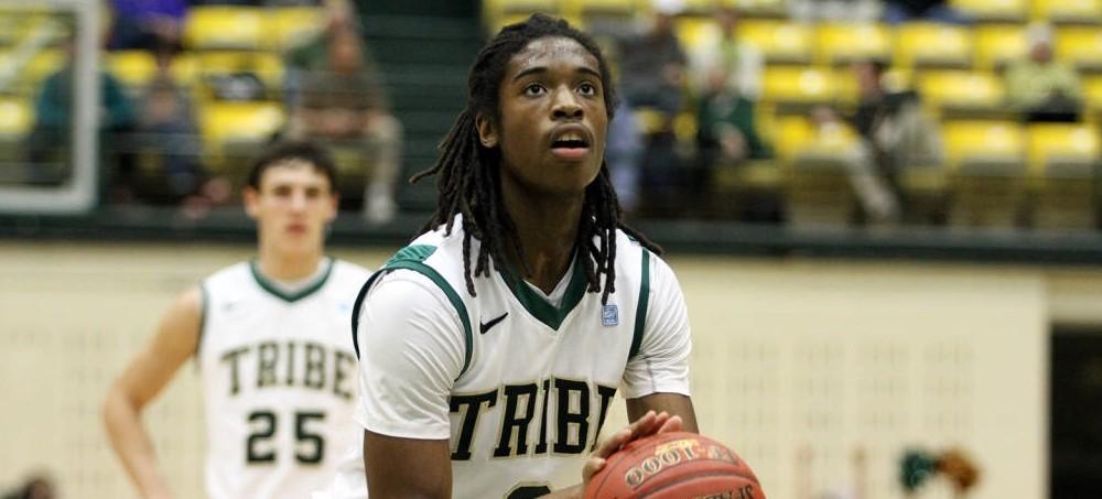 Men's Basketball: College drops season opener, 77-69