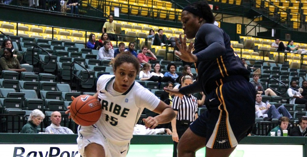 Women's basketball: La Salle tops College, 73-59 [Photos]