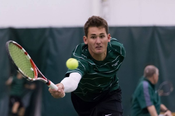 Men's tennis: Tribe splits weekend matches