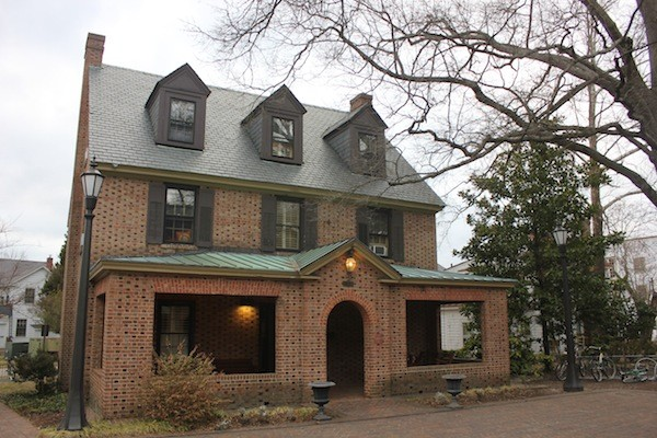 Pi Phi house undergoes series of renovations