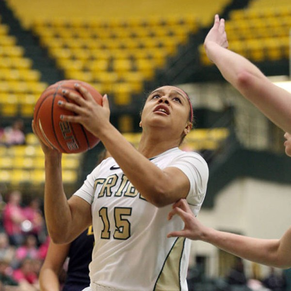 Women's basketball: College splits, moves to 11-12 overall