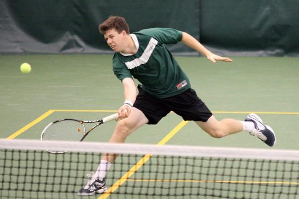 Men's Tennis: Cavaliers sweep College