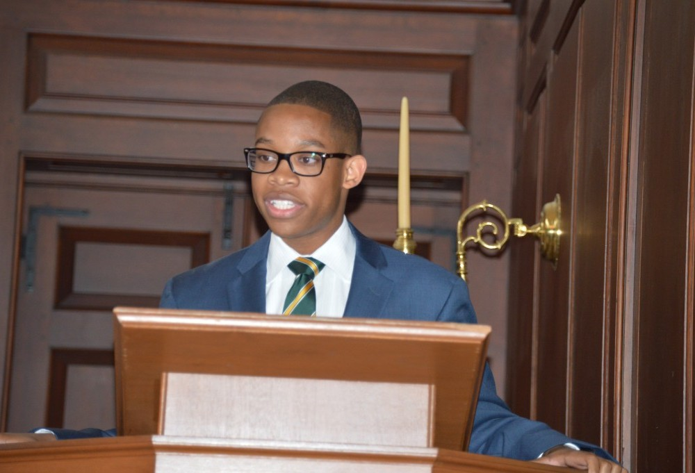 Whitaker sworn in as Student Assembly president