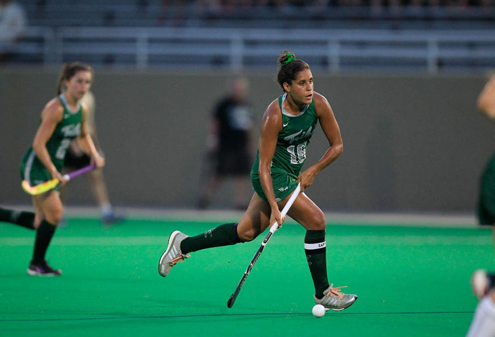 Field Hockey: College falters against top teams