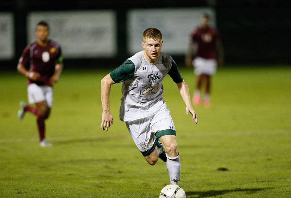 Men's soccer: College stuns No. 10 Elon 4-1 in midweek match
