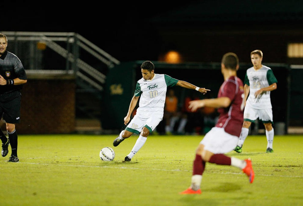 Men's soccer: College drops rain-soaked match against No. 23 Hofstra