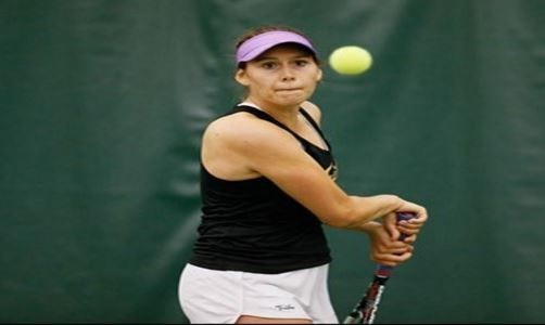 Women's tennis: College defeats ranked opponent at ITA Kickoff Weekend