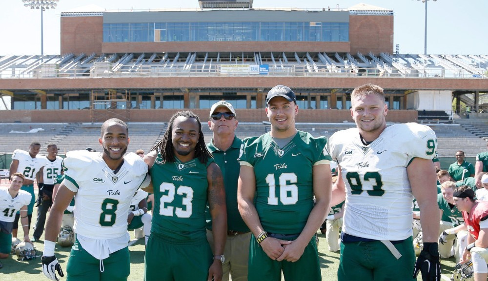 Football: New talent showcased in 2016 Green and Gold game