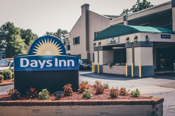 Making a hotel a home: City Council votes 4-0 to allow William and Mary Real Estate Foundation to move ahead with purchase of Days Inn
