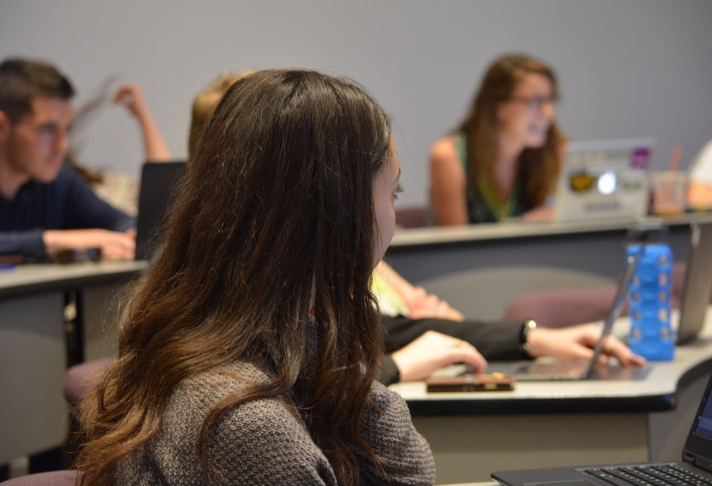 SA senators voted to sign AASI's petition in last session of semester