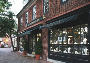 The Precious Gem is located on the historical DoG Street. ASHLEY RICHARDSON / THE FLAT HAT