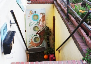 The colorful steps leading down to the shop. ASHLEY RICHARDSON / THE FLAT HAT