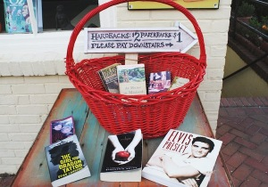 Mermaid Books, like the noted bookseller Strand in New York City, often displays books outside. ASHLEY RICHARDSON / THE FLAT HAT
