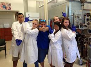 Poutsma's lab poses during a summer research session. COURTESY PHOTO / Poutsma Group Homepage